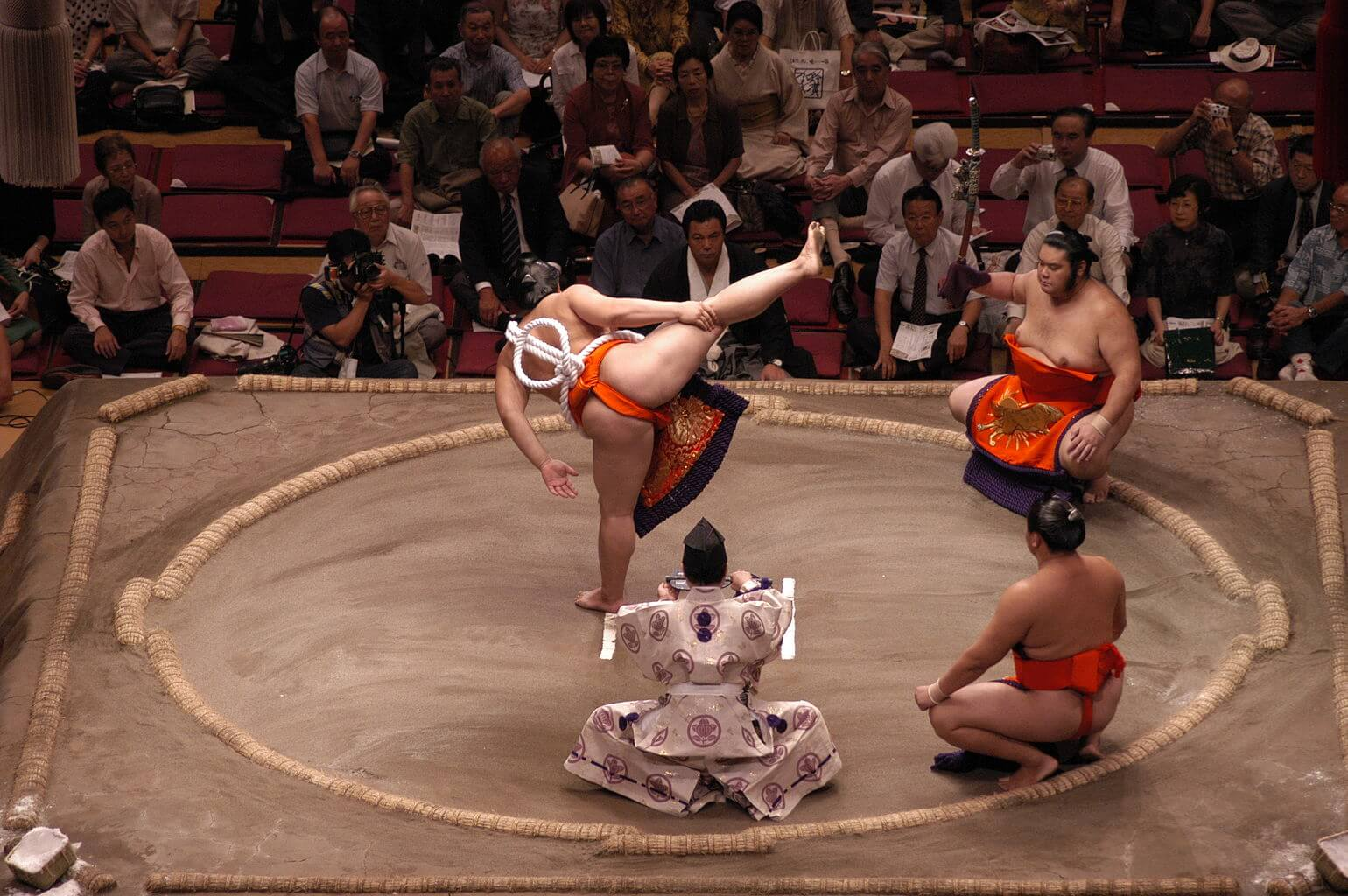 Truyền thống Nhật Bản - Ném Zabuton