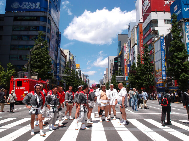 Truyền thống Nhật Bản - Mặc khố tại lễ hội